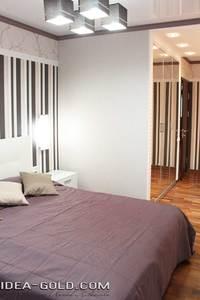 дизайн полосатой спальной